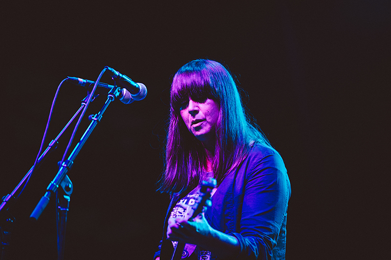 Exercising more than just vocal talent, Cat Power proved a heavy lifter on guitar as well. Photo: johnnybetts.com