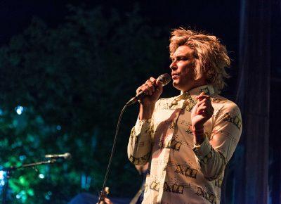 Brooks Nielsen lead vocals. Photo: ColtonMarsalaPhotography.com
