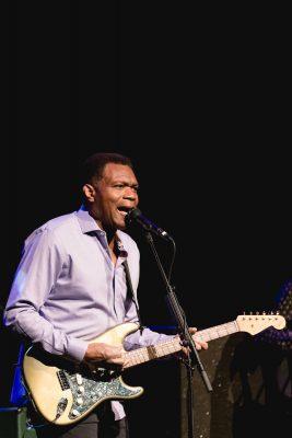 Robert Craay providing his signature bluesy vocals. Photo: @Lmsorenson.net