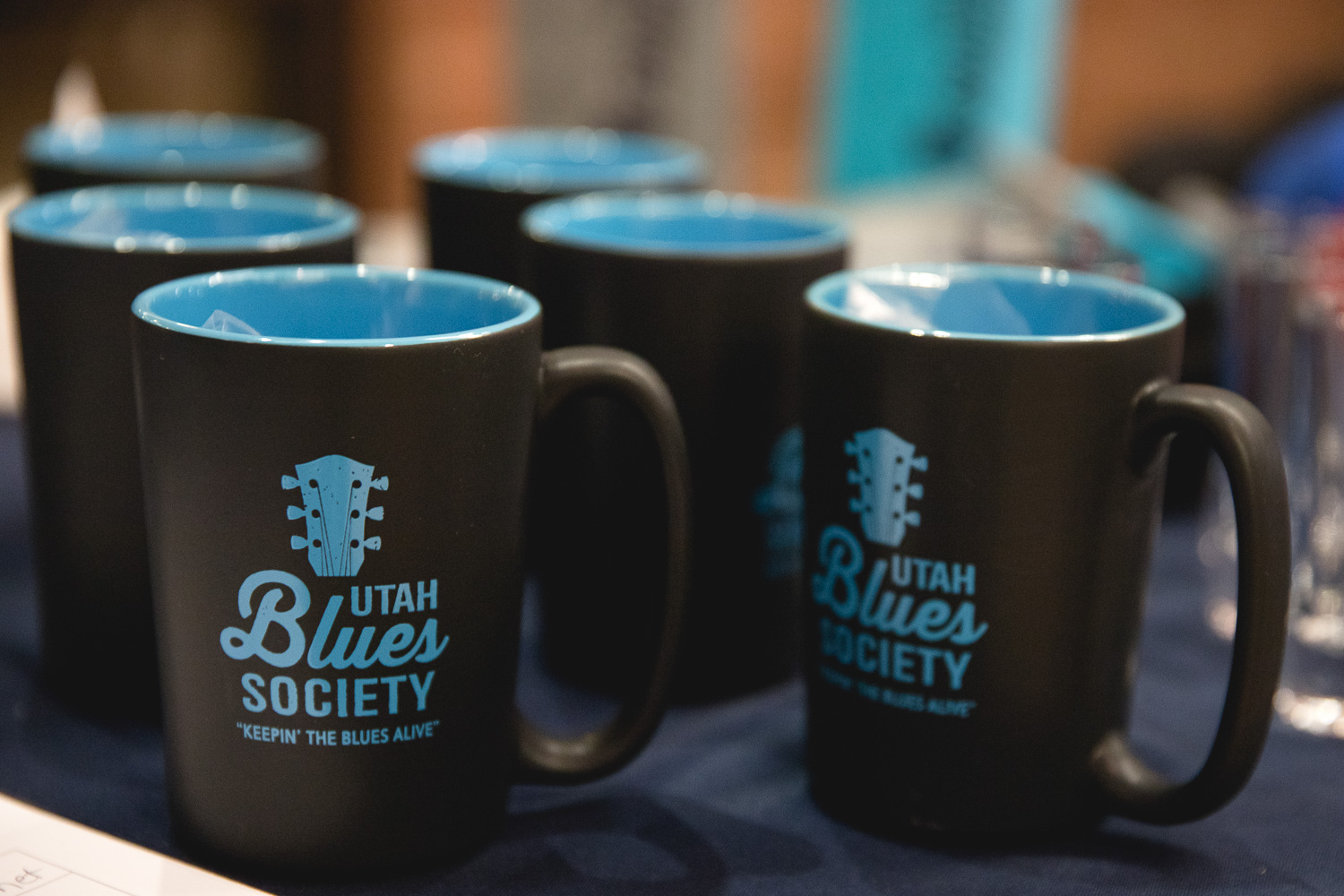 Utah Blues Society also has some black and blue mugs for sale at their table. Photo: @Lmsorenson.net