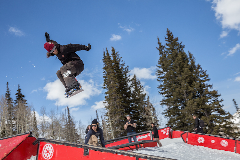 Men's Open Snow, Andy Richardson, huge gap to frontside boardslide. Photo: @cezaryna