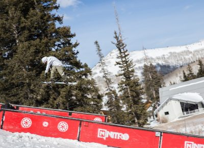 Men's Open Snow, Jeff Hopkins, huge 180 to frontside board. Photo: @cezaryna