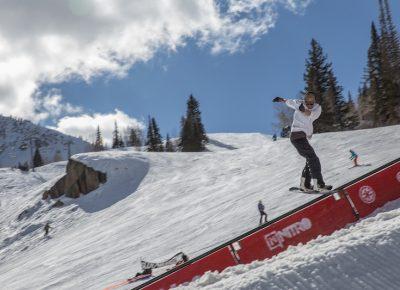 Men's Open Snow, Treyson Allen, switch backside lip slide. Photo: @cezaryna