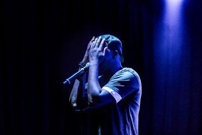 "Performing ""No Woman, No Cry,"" Wyclef Jean at Metro Music Hall. Photo: Lmsorenson.net"