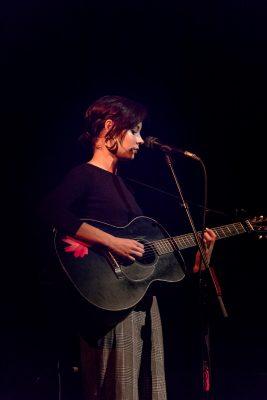 Musician Nina Nesbitt graces the crowd with her personal story–based indie folk tunes. Photo: Lmsorenson.net
