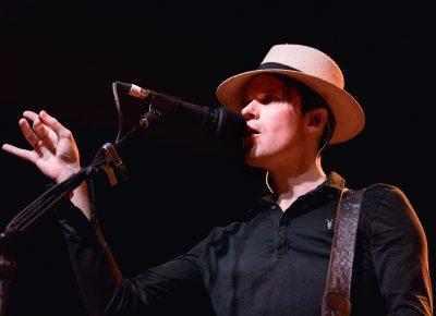 Lead singer Jon Fratelli onstage in Salt Lake City. Photo: Lmsorenson.net