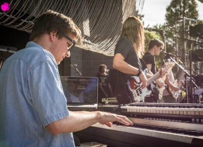 Jammin' in that summer sun. Photo: ColtonMarsalaPhotography.com