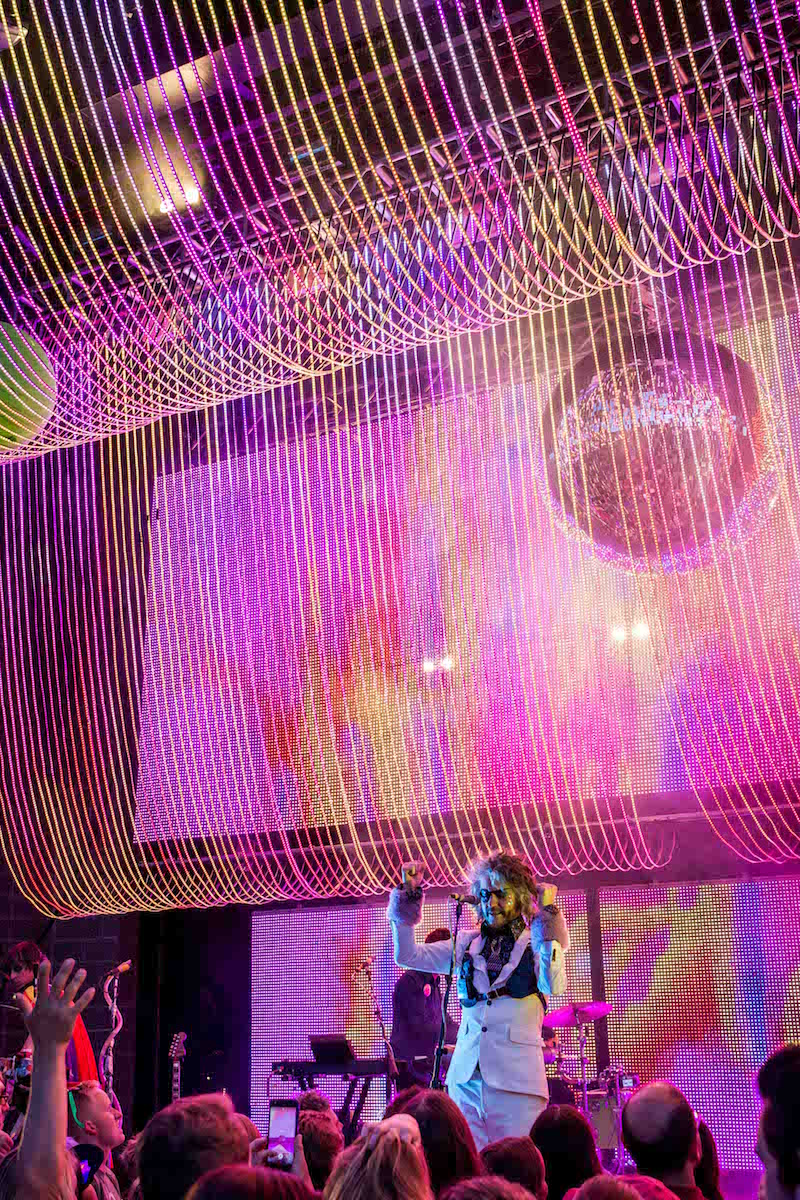Color lights the stage. Photo: ColtonMarsalaPhotography.com