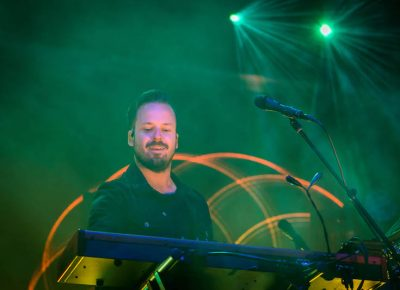 Keyboardist Jon George of Rufus.