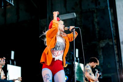 Lead singer Hayley Williams having an absolute blast on stage at USANA Amphitheater. Photo: Lmsorenson.net