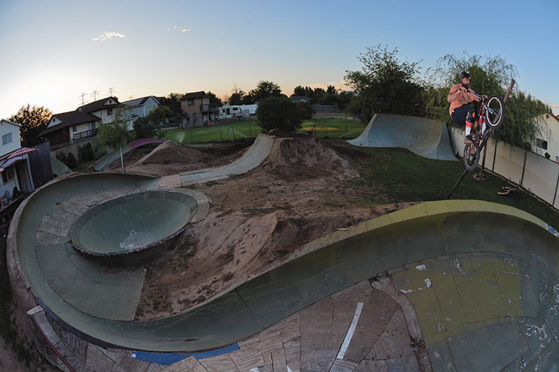 Matt Beringer – Pole Jam Double Peg to Fakie – Roy, Utah.