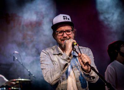 Kevin Drew, lead vocalist of Broken Social Scene.