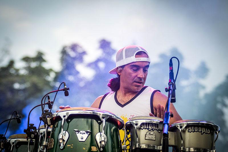 Oguer Ocon rips the bongos.