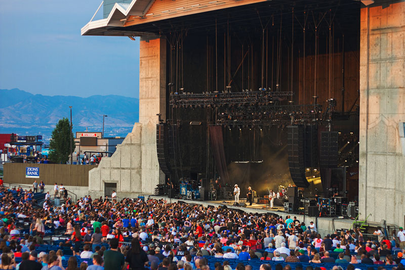 Nestled against the mountainous backdrop USANA, proves to be the perfect host for Weezer and The Pixies.