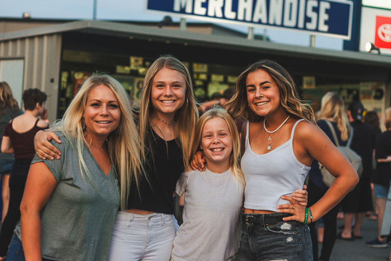 (L–R) Brittany, Rylee, Kameron and Kalea comprise two generations of Weezers fans.