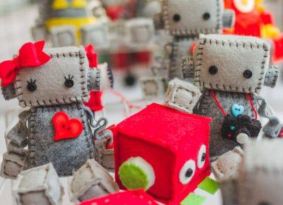 Handcrafted, felt robots!? I'll take three.