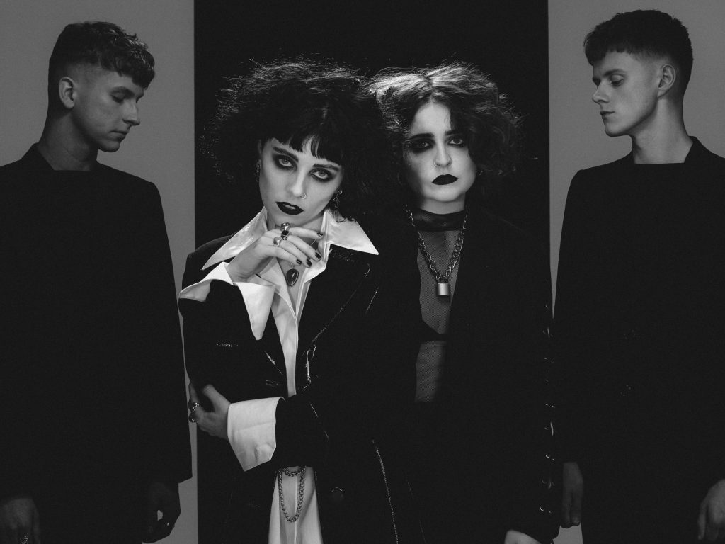 Pale Waves @ In The Venue 11.28.18 w/ The Candescents & Kailee Morgue