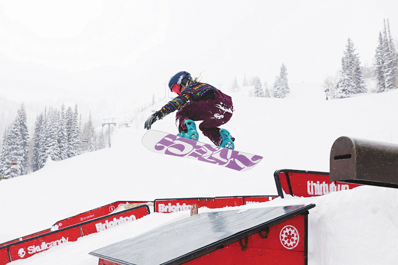 1st Place Women's Open Snow – Gwynnie Park with big air over the shed