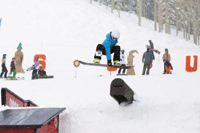 3rd Place Men's 17 & Under Snow – Noah Singer, mute grab