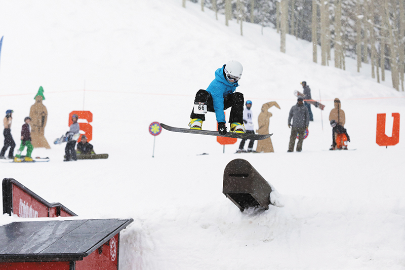 3rd Place Men's 17 & Under Snow – Noah Singer, mute grab