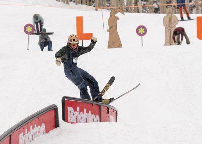 Men's 17 & Under Ski – Carter Wessman, railslide on the C-rail
