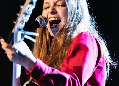 Jade Bird on stage at the Union Event Center. Photo: @Lmsorenson