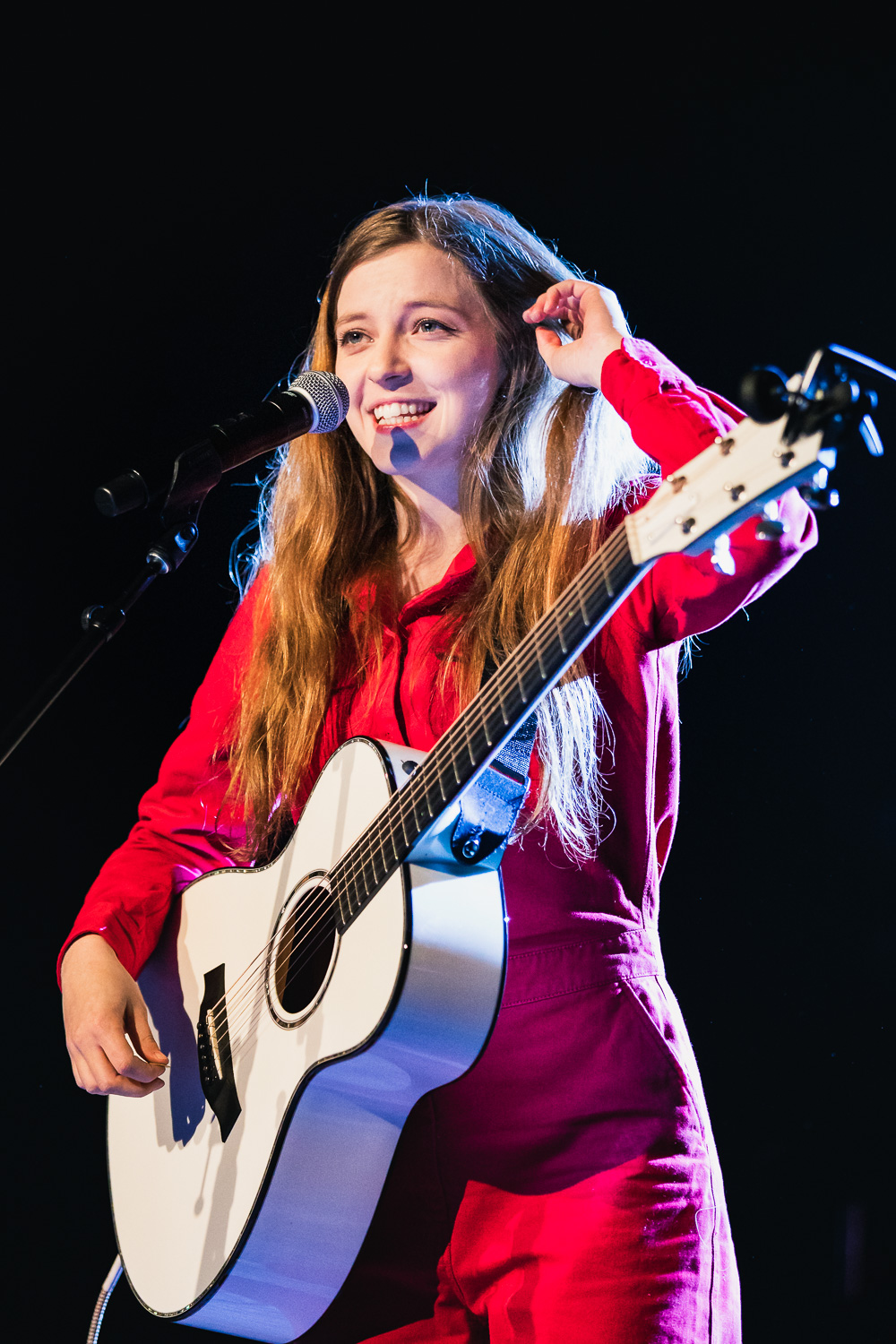Thanking the crowd for their warm presence and gives a shares a nervous giggle, Jade Bird on stage in SLC. Photo: @Lmsorenson