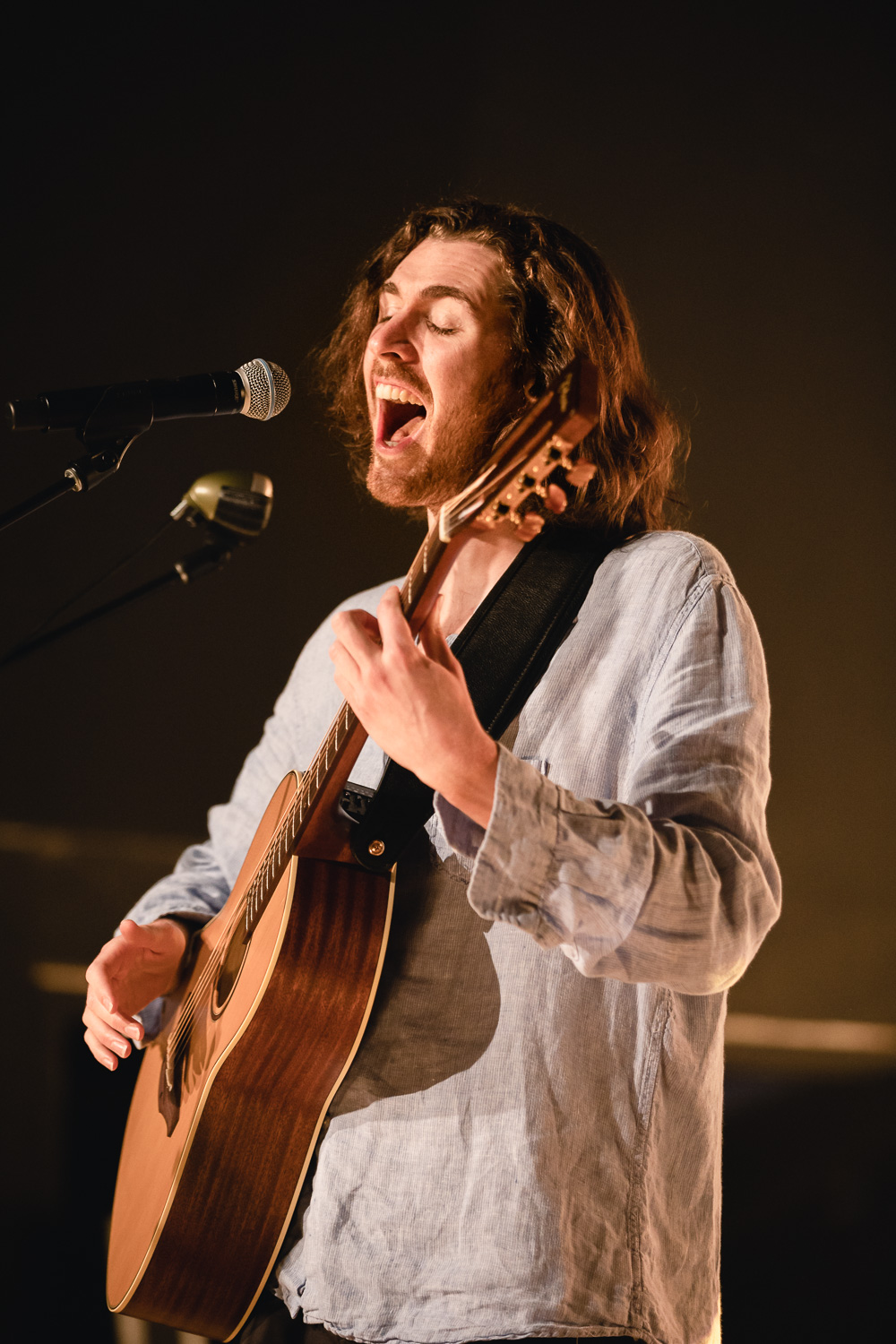 Hozier sings just as passionately live as he does on his albums. Photo: @Lmsorenson