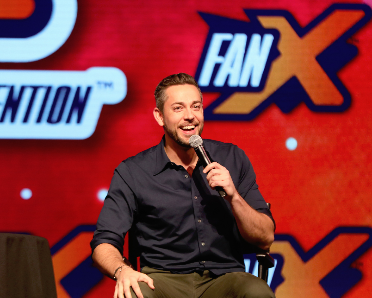 "Zachary Levi telling audience members all about his outlook on his career and why he would choose ""The Wisdom Of Solomon"" as his one superhero power. Photo: @Lmsorenson"