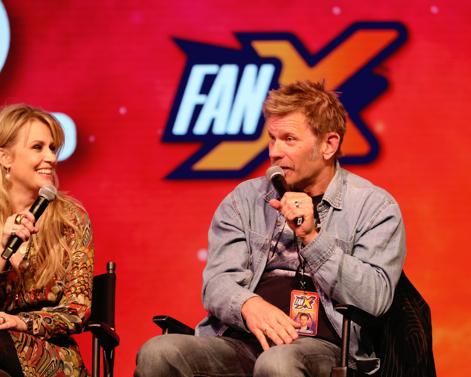 Mark Pellegrino and Samantha Smith talk Supernatural with the fans, recounting their favorite moments and who in the cast is the biggest prankster. Photo: @Lmsorenson
