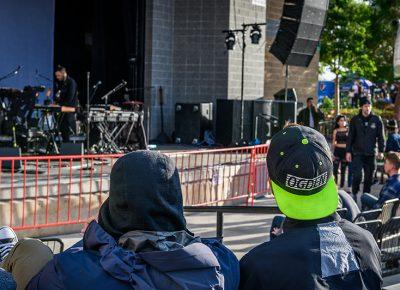 Fans wait through soundcheck.