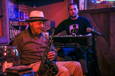 (L–R): Joe McQueen and Ryan Conger perform at the Garage on Beck.