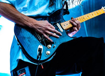 Jeff Saurer skillfully manipulating his instrument of choice.