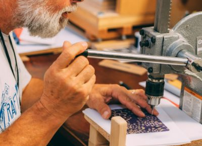 Bill Braak gives us an in-person demo of his highly skilled journal crafting skills.
