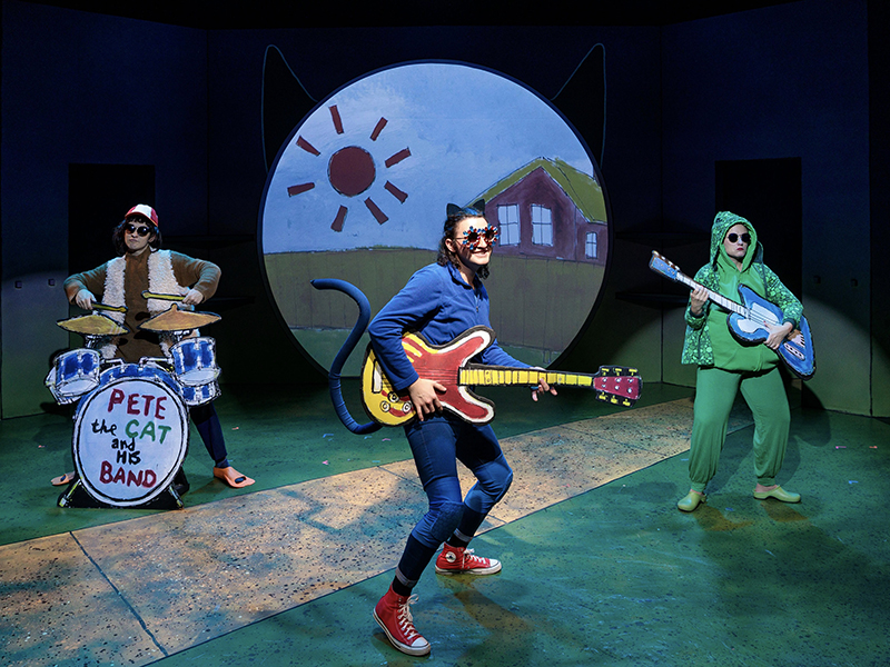 Trayven Call, Jacob Weitlauf and Shelby Andersen in Pete the Cat.
