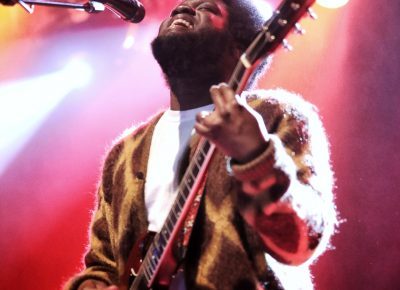 Michael Kiwanuka basking in the light of the stage and the adoration of the audience.