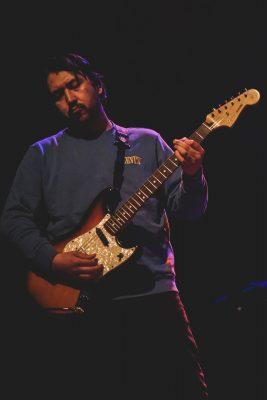 Guitarist of Free Throw.