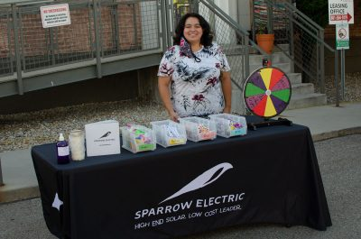 Roz Sylvia with Sparrow Electric exhibiting at the SLUG Picnic.