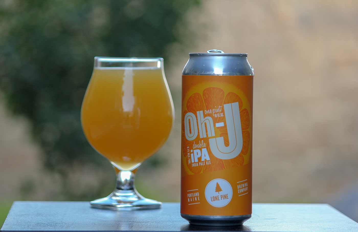 Lone Pine Brewing's Oh-J pours like a classic New England IPA—murky and unfiltered with a natural haze and a fluffy, white head.