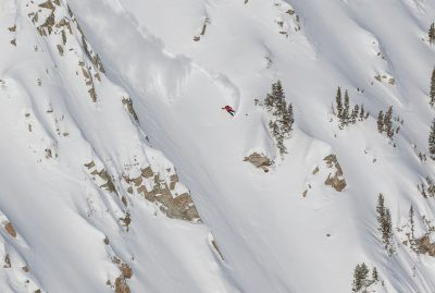 Griffin Siebert – Frontside Slash – Little Cottonwood Canyon, Utah. Photo: @wjackdawe