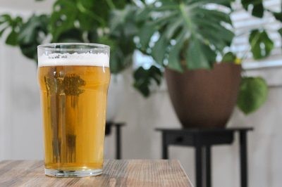 Having won awards at several important beer events, Hoppers This is the Pilsener has a clean taste with hints of sweet bread alongside floral notes.