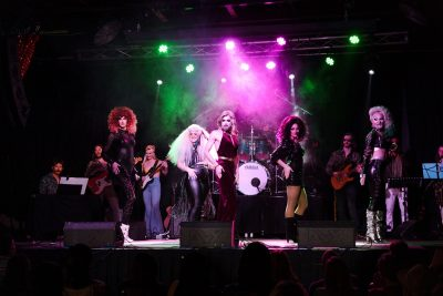 Marrlo Suzzanne & The Galaxy Band enraptured the audience with their performance prowess.