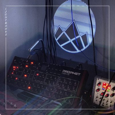 Local Review: Mooninite – Lightworks