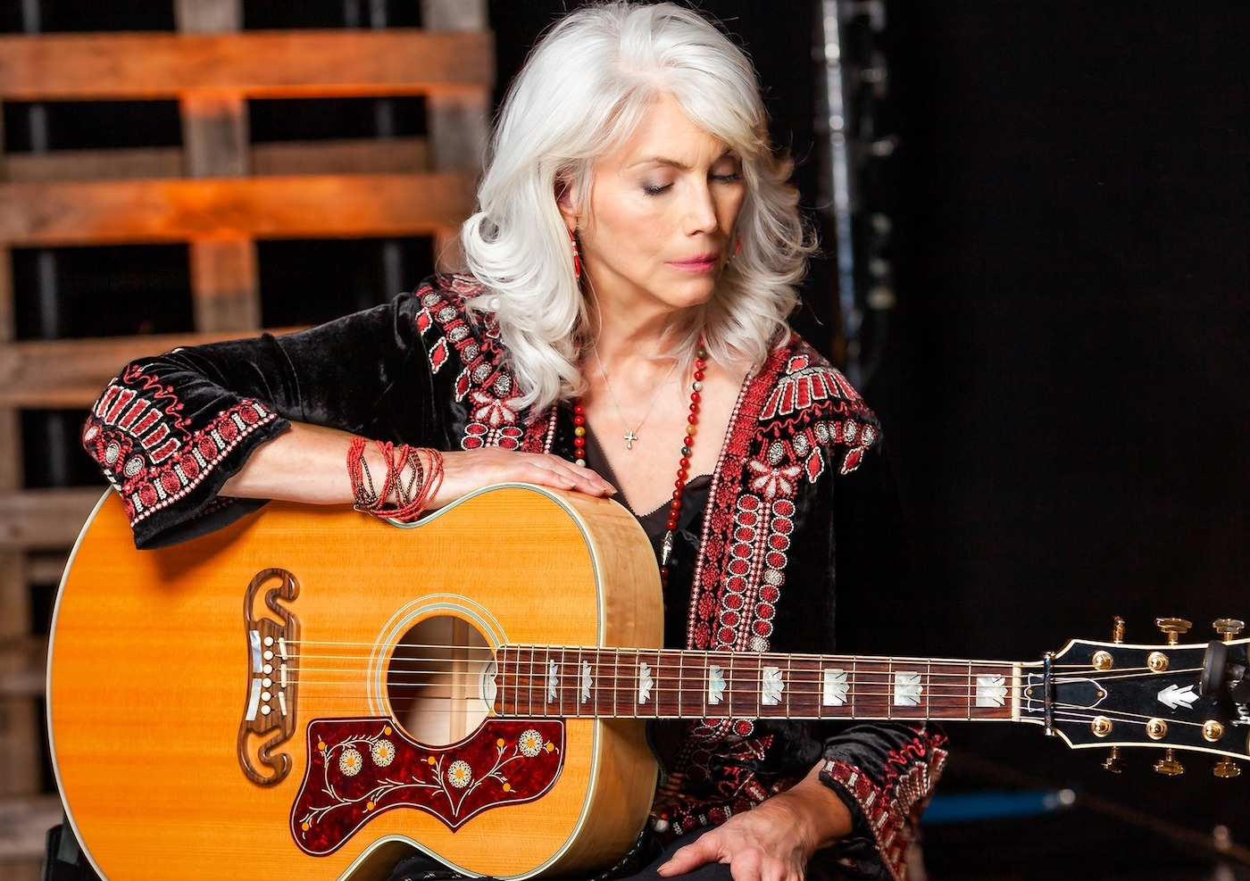 Renowned singer-songwriter Emmylou Harris and acoustic act Marisa Anderson & William Tyler were welcomed to the Red Butte Garden stage.